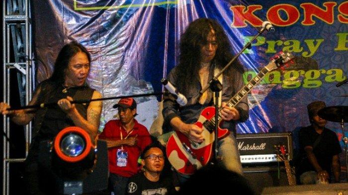 Aksi Roy Jeconiah dan Jhon Paul Ivan Bius Penonton Konser Amal Galang Bantuan Korban Gempa