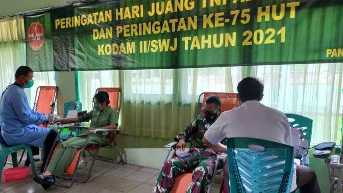 Peringati Hari Juang TNI AD , Korem 045 Gaya Adakan Donor Darah , Dapatkan 36 Kantong Darah