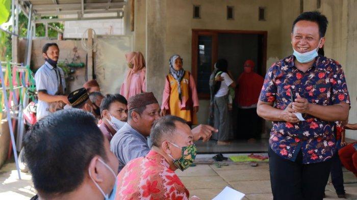 Siapkan 6.000 Seragam Sekolah Gratis, H Korari Suwondo: Pertama Kali di Bangka Tengah