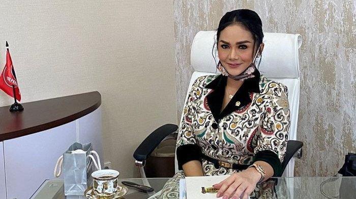 Anggota DPR Positif Covid-19 dapat Fasilitas Isoman di Hotel Bintang 3, Begini Respons <a href='https://manado.tribunnews.com/tag/krisdayanti' title='Krisdayanti'>Krisdayanti</a>
