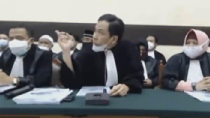 Ditangkap Densus 88, Munarman Tak Berkutik Saat Minta Pakai Sandal, Polisi Langsung Mengepung