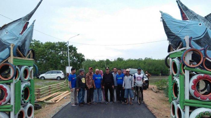 Bupati Bateng Kunjungi Kawasan Wisata Bahari Tebok Desa Kurau