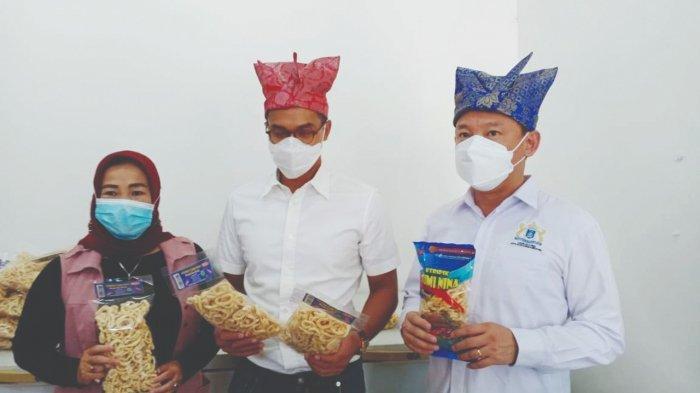 Kadin Babel Dukung Anindya Bakrie Sebagai Ketua Umum Kadin - kunjungan-ke-umkm-keripik-cumi-nina.jpg