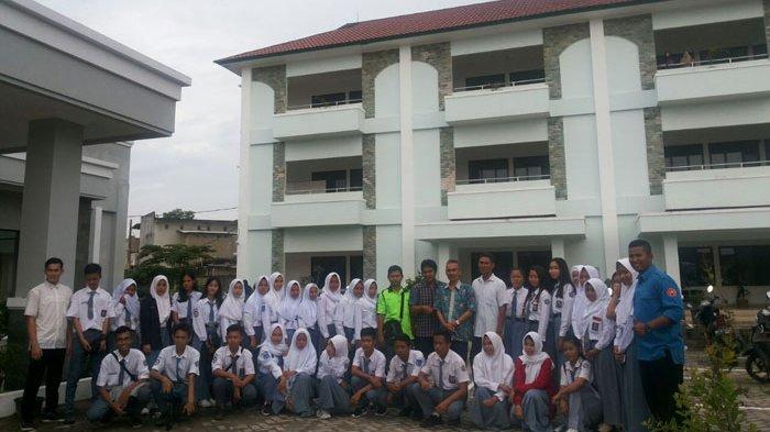Siswa SMKN 1 Parittiga Jebus Kunjungi Kampus STKIP Muhammadiyah
