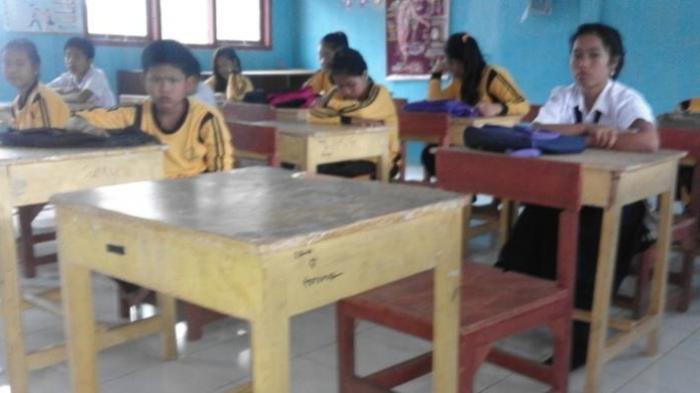 Aneh, Meja dan Kursi Siswi Korban Pemerkosaan 14 Pemuda Selalu Basah Setelah Jasadnya Ditemukan