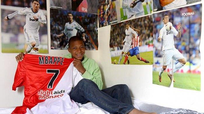 Bintang Prancis Mbappe Ternyata Fanboy Ronaldo Sejak Kecil, Kamarnya Dipenuhi Poster Sang Idola