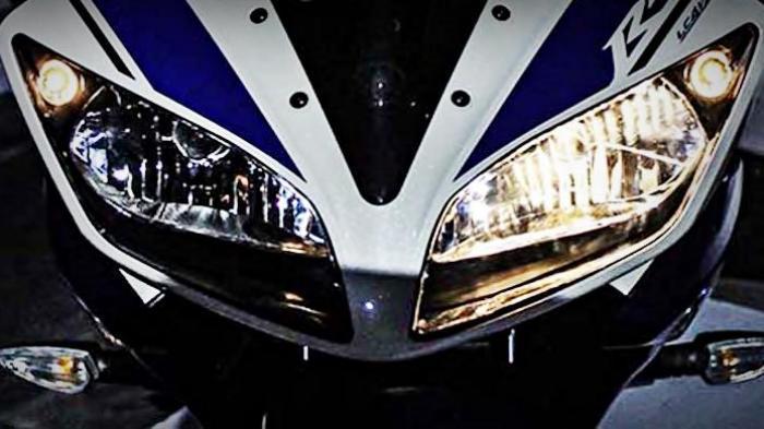 Dinyalakan Hanya Saat Berhenti, Ini Kegunaan Lampu Hazard pada Sepeda Motor