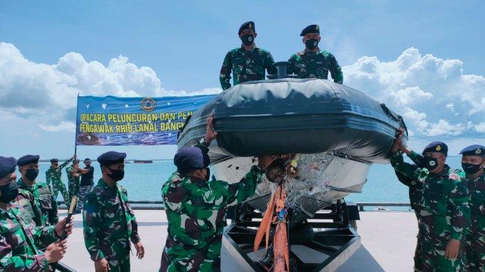 peluncuran dan pengukuhan Rigid Hulled Inflatable Boat (RHIB) salah satu kapal patroli cepat di  Dermaga Tarsus/RWTJM Belinyu Kel. Mantung Kec. Belinyu Kab. Bangka, (Senin, 22/03/2021)