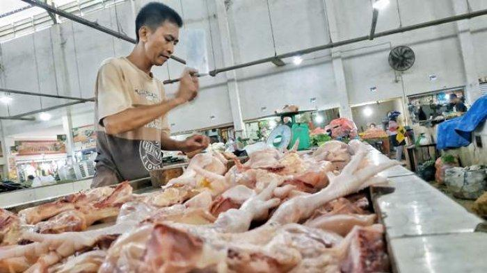 Perayaan Imlek 2020 Tak Pengaruhi Harga Daging Ayam di Pasar Kite Sungailiat