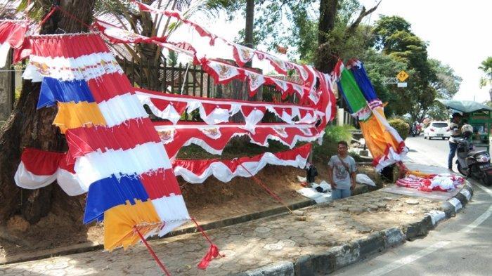 Pedagang Musiman Jelang HUT RI Menjamur di Kota Pangkalpinang