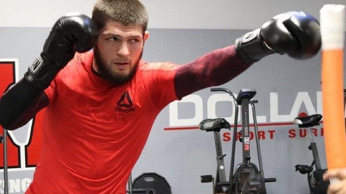 Khabib Nurmagomedov Dihujani Kritik Usai Mundur dari UFC 249, Sang Pelatih Curhat Begini