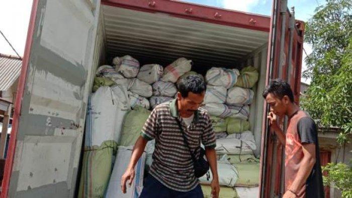 Bangka Belitung Kembali Ekspor 10,7 Ton Lidi Nipah ke Pakistan