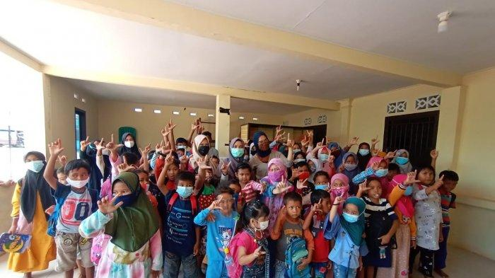 Program Laboratorium Literasi Salah satu program kampus merdeka yang digagas oleh mahasiswa prodi ilmu komunikasi Stisipol Pahlawan 12 bekerjasama dengan pemerintah desa Cit kecamatan Riau Silip Kabupaten Bangka