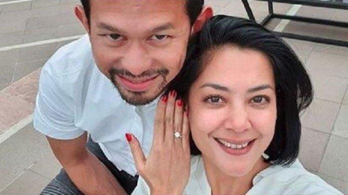 Lulu Tobing dilamar cucu raja kapal Indonesia, Bani M Mulia?