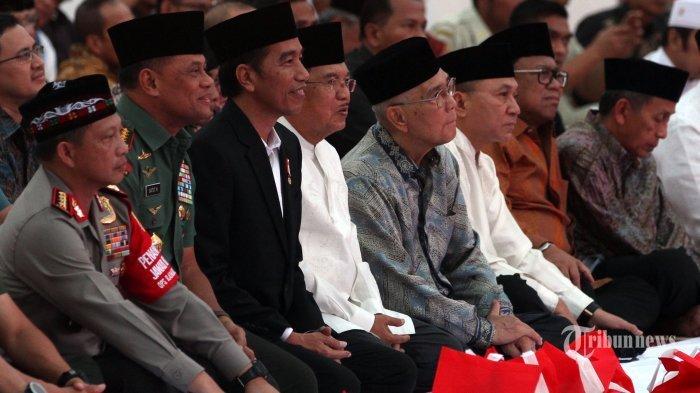 Jokowi Jawab Rumor AHY dan Sandiaga Uno Jadi Calon Menteri