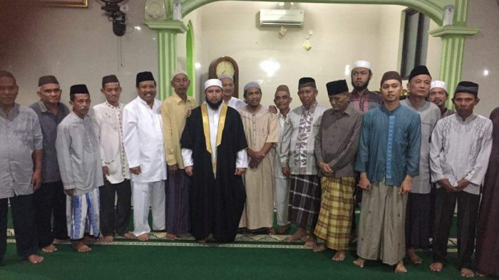 Udin Bersama Syekh Assayed Ajak Jemaah Syiarkan Magrib Mengaji