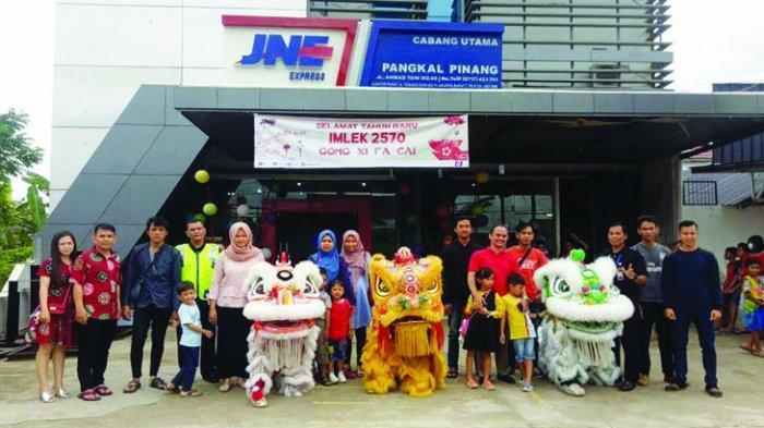 JNE Express Bertabur Angpao Meriahkan Tahun Baru Imlek 2570