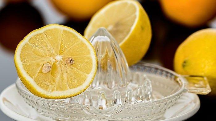 Air Lemon Ternyata Bisa Bermanfaat sebagai Penurun Asam Urat Tinggi, Simak Penjelasannya ini