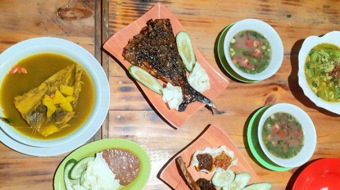 Menu makanan ikan bakar tabok, iga bakar dan lempah kuning tenggiri di Warung Mang Bewok