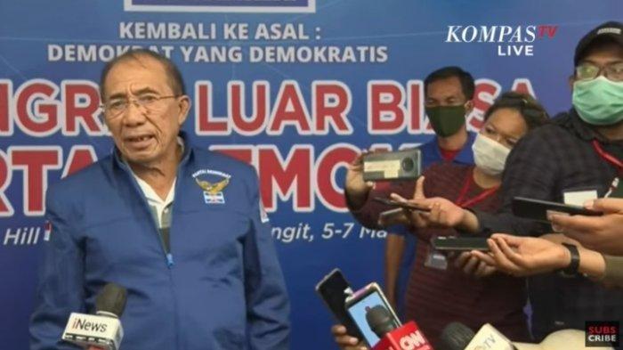 Mantan Wakil Ketua Umum Partai Demokrat Max Sopacua dalam konferensi pers kongres luar biasa (KLB) di Hotel The Hills, Deliserdang, Sumatera Utara, Jumat (5/3/2021).