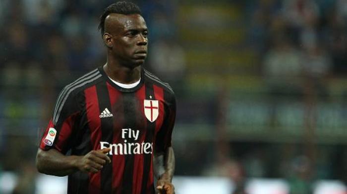 Dibuang AC Milan, Chievo Minat Beli Mario Balotelli