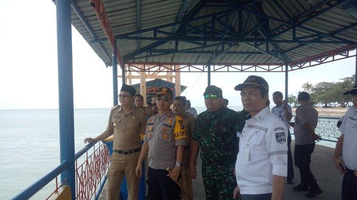 Jamin Rasa aman Mudik Natal, Forkopimda Tinjau Posko Pengamanan di Pelabuhan Tanjungkalian Muntok