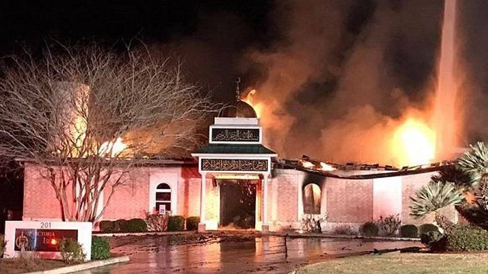 Masjid Terbakar Usai Usai Donald Trump Keluarkan Peraturan Imigrasi