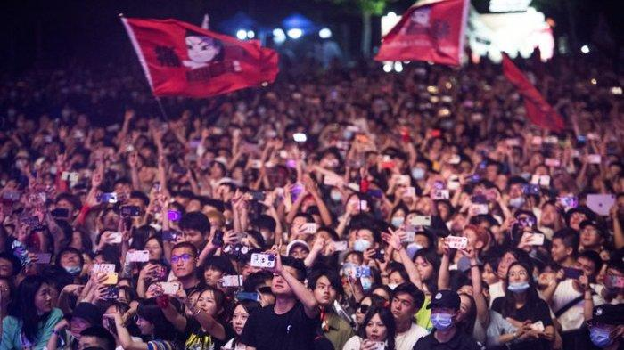Wow, Ribuan Warga Wuhan Nikmati Festival Musik Tanpa Masker, Sudah Terbebas dari Virus Corona