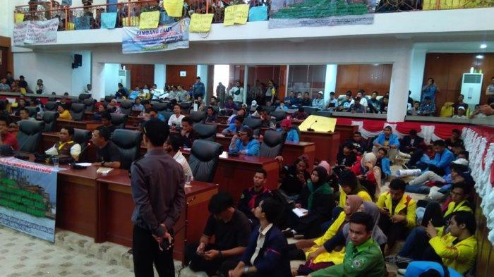 Juliadi Rela Mati Pertahankan Wilayah Tangkap Nelayan, Wagub Sebut RZWP3K Masih Dibahas Kementerian