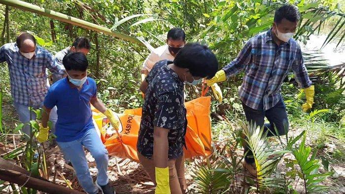 Mayat ditemukan di kolong tambang timah, hutan Desa Mangkol, Pangkalanbaru, Bangka Tengah, Selasa (7/7/2021) sekitar pukul 11.38 WIB.