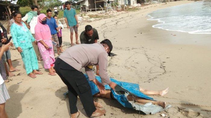 Mayat perempuan di Pantai Turun Aban 0802.