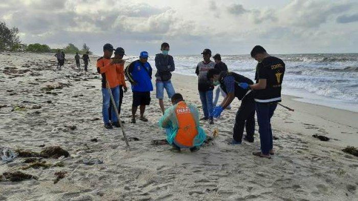 BREAKING NEWS, Begini Kondisi Mayat yang Ditemukan Dua Pencari Rongsokan di Pantai Gelam