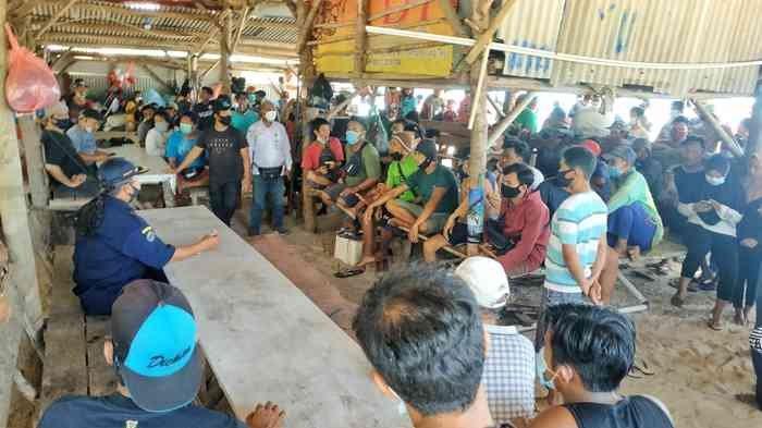 BREAKING NEWS Para Nelayan Kembali Demo Usir KIP dari Pantai Matras , Emak-emak Rela Tak Masak