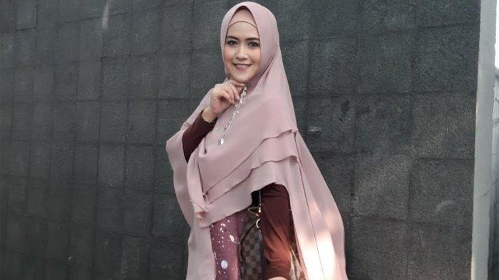 Sebulan Cerai dari Kiwil, Meggy Wulandari Nikah dengan Pengusaha Makassar, Wajah Suami Tak Diungkap