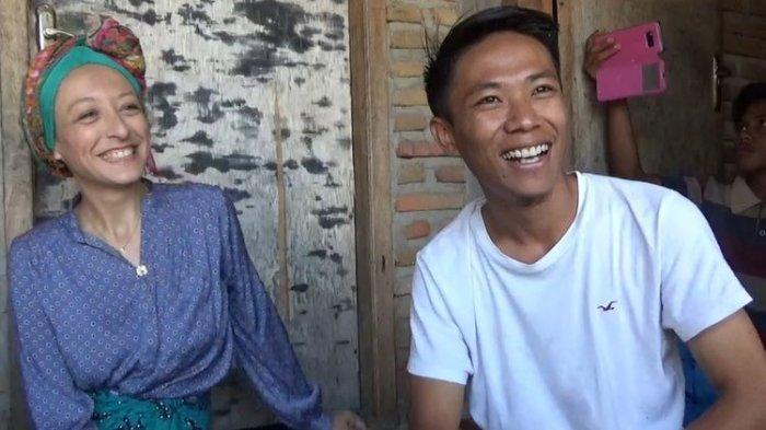 Pria Lombok Ini Sanggup Bikin Wanita Perancis Baper, Berawal dari Panjat Kelapa Hingga ke Pelaminan