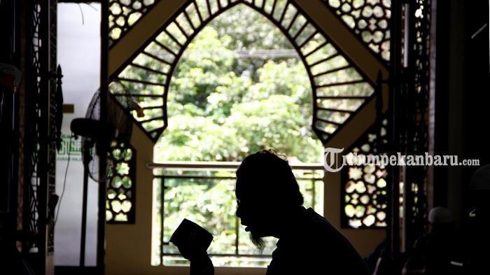 Niat Sholat Jumat Lengkap, Bahasa Indonesia dan Arab Hingga 4 Jenis Amalan Khusus Hari Jumat