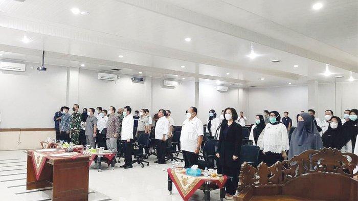 Masa Jabatan Berakhir, Yuliyanto Satin Ucapkan Terima Kasih ke Semua Pihak - memori-serah-terima-masa-jabatan-baru-bupati-bateng-2.jpg