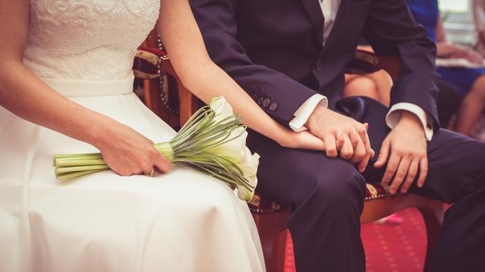 PENGANTIN Pria Akhirnya Blak-blakan Soal Mahar Pernikahan Sandal Jepit dan Segelas Air