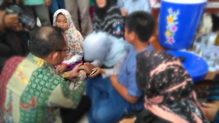 Menaker Kunjungi Rumah Duka Dolar Korban Insiden Lion Air