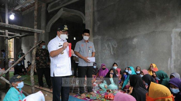 Gubernur Bangka Belitung Erzaldi Serahkan Bantuan Pembangunan Masjid Al Muttaqin