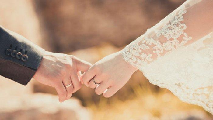 KEBELET Nikah dengan Cowok Idaman, Gadis India Nekat Panjat Papan Iklan Demi Restu Ibu