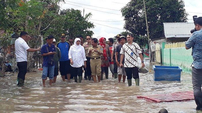 'Astagfirullahaladzim' Cerita Korban Banjir Beltim Bikin Mensos Khofifah Terperanjat!