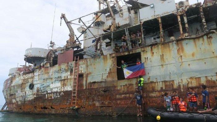 Minim Prasarana, Aksi Nekat Militer Filipina Redam Kekuatan Militer China, Kapal Dikaramkan