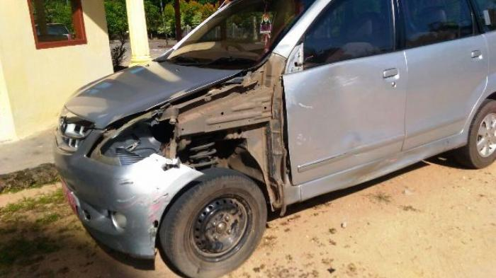 Pemotor Seruduk Mobil Rombongan Humas Diselesaikan Secara Damai