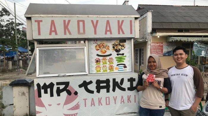 Nikmatnya Takoyaki Samping Gedung Nasional Pangkalpinang, Isi Cumi dan Sosis Paling Diburu