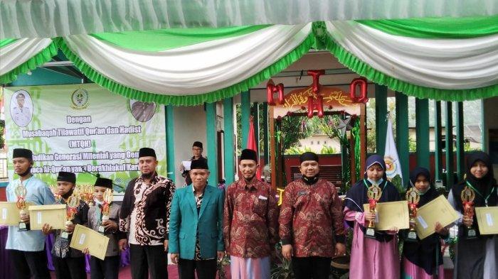 Para Juara MTQH Tahun 2021 kategori Tilawah anak-anak putra dan putri tingkat kecamatan Jebus Kabupaten Bangka Barat