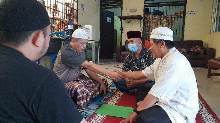 Dua Tahanan Polres Pangkalpinang, menjadi mualaf, Sabtu (24/10/2020) siang