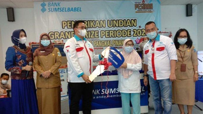 Grand Prize Tabungan Pesirah Bank Sumsel Babel 2020 : Abdullah Ma'ruf Bawa Pulang Toyota Yaris
