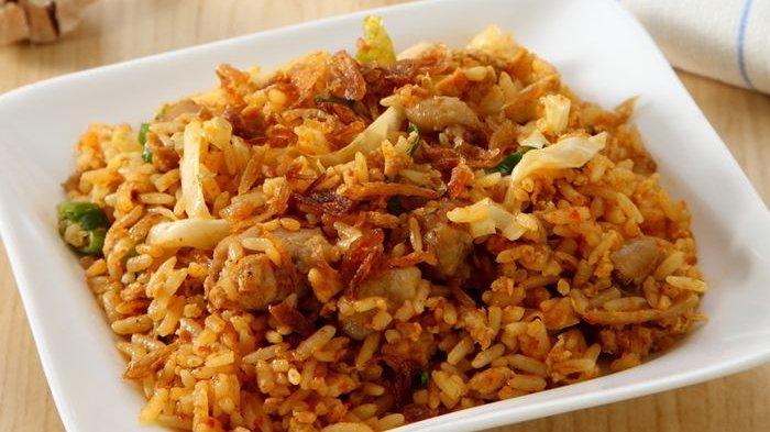 Terungkap Rahasia Pedagang Membuat Nasi Goreng Jadi Tidak Menggumpal, Mudah Banget!