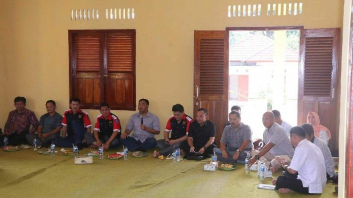 Komisi I DPRD Babel Natak ke Desa Kacung Serap Aspirasi Masyarakat